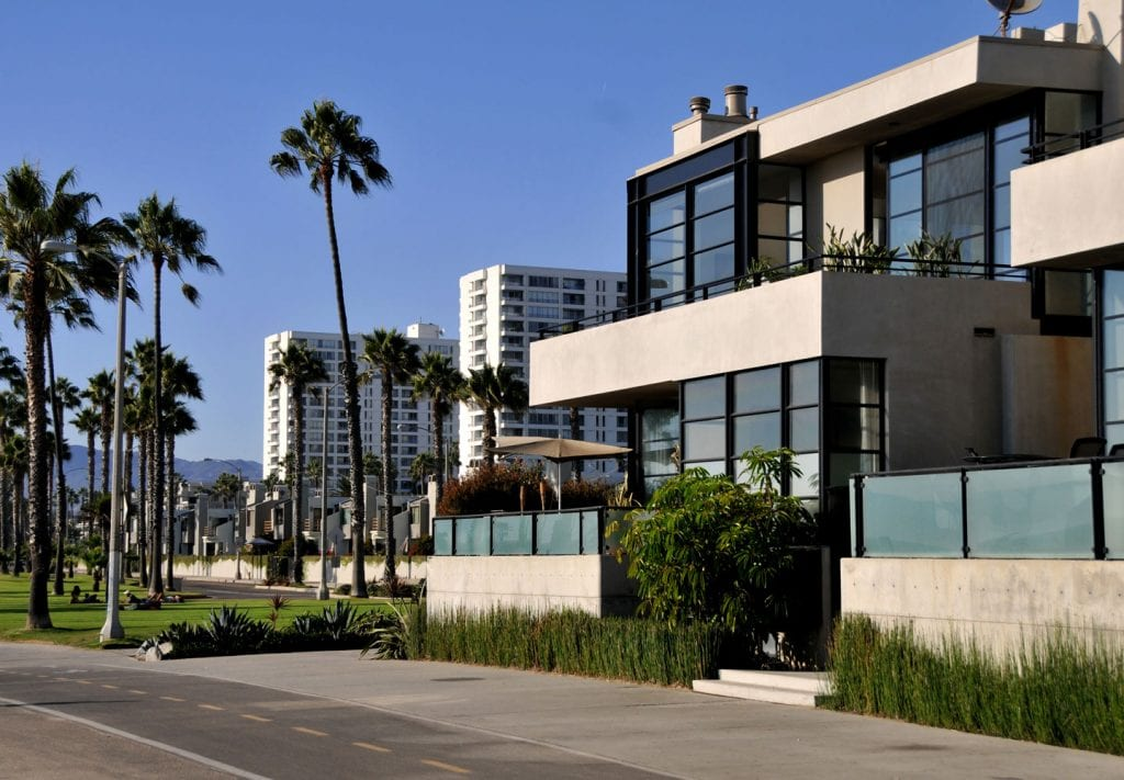 L A  Moving Guide: How to Find an Apartment in Los Angeles