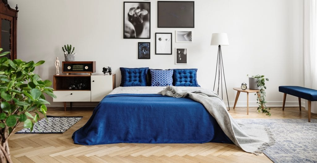 a clutter free bedroom can promote sleep