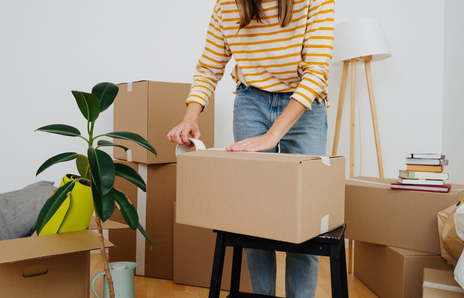 woman using moving tips