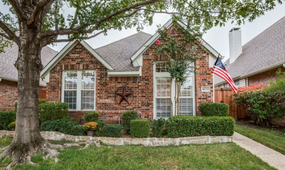 Home in Valley Ranch neighborhood of Irving, TX