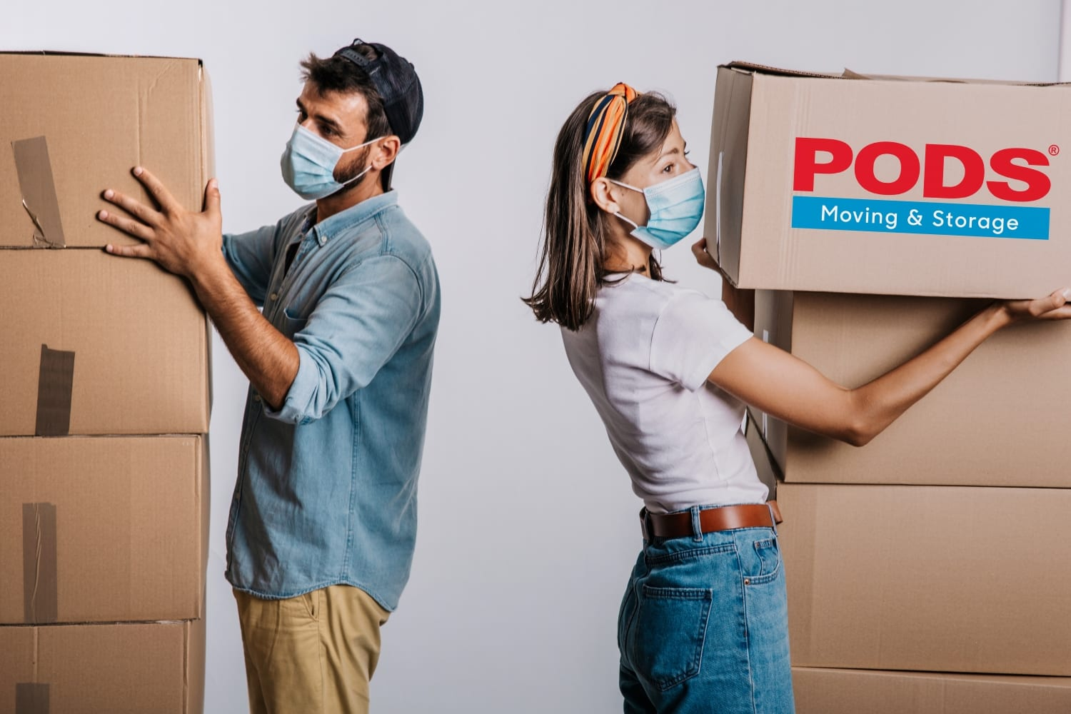 couple moving during a pandemic