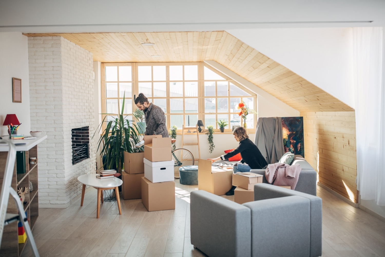 couple moving into an apartment